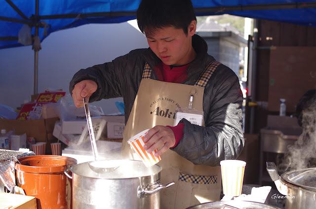 伊豆・河津櫻祭。甘酒(酒釀)非常好喝。