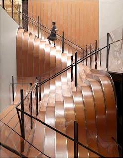 Diseño de escaleras de madera muy creativo