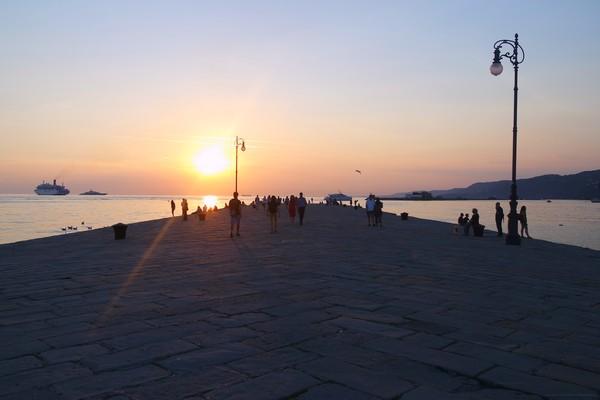 trieste molo audace jetée coucher soleil