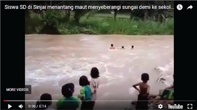 Viral Video Siswa SD di Sinjai Nekat Terobos Arus Sungai Demi Bersekolah (Bikin Jantungan)