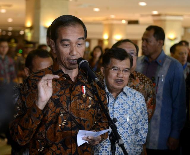 Jokowi: Bulog Butuh Sosok yang Tegas dan Berani