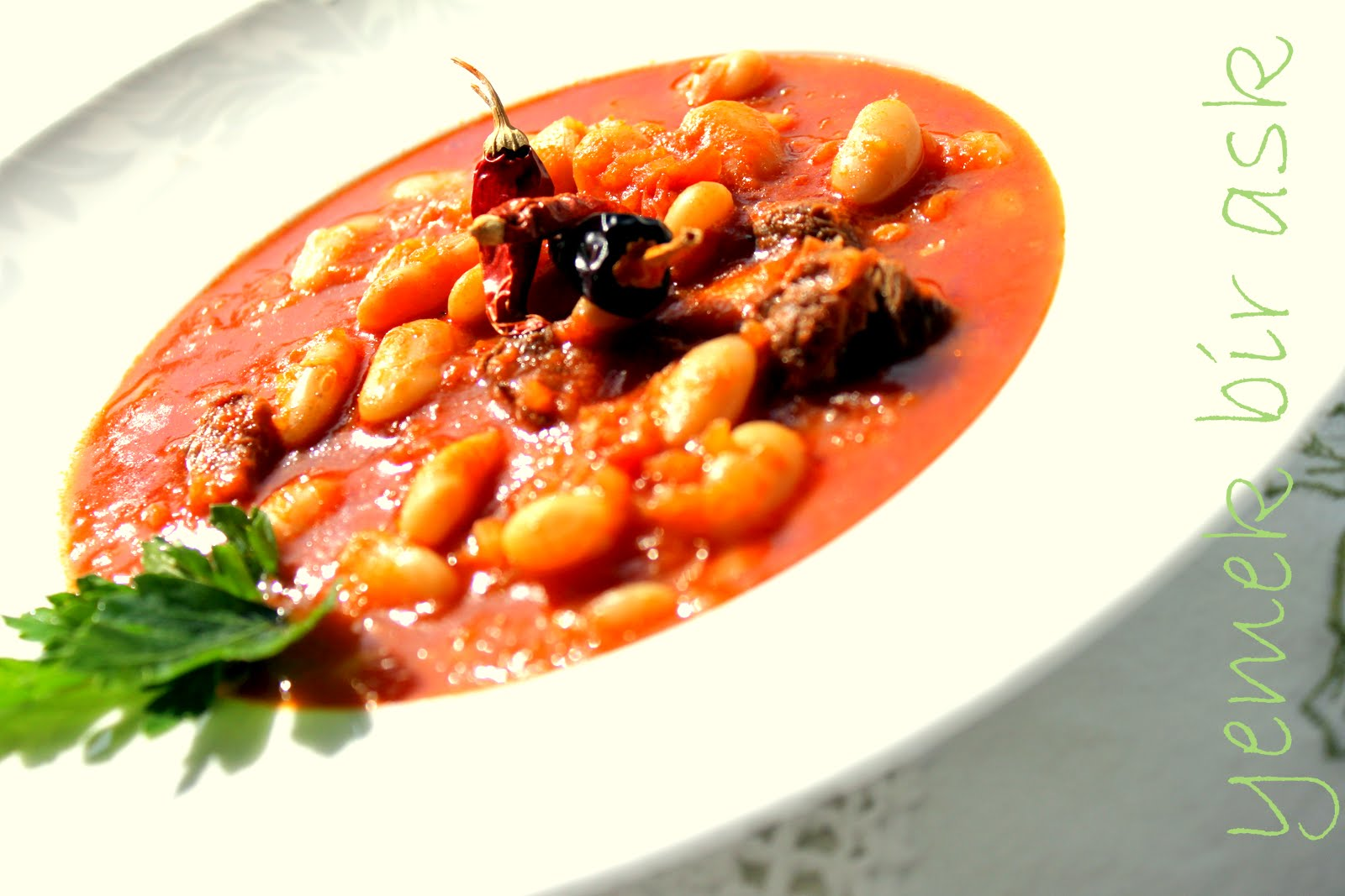 yemek bir aşk: kıymalı ıspanak, etli kuru fasulye, patatesli patlıcan  yemekleri