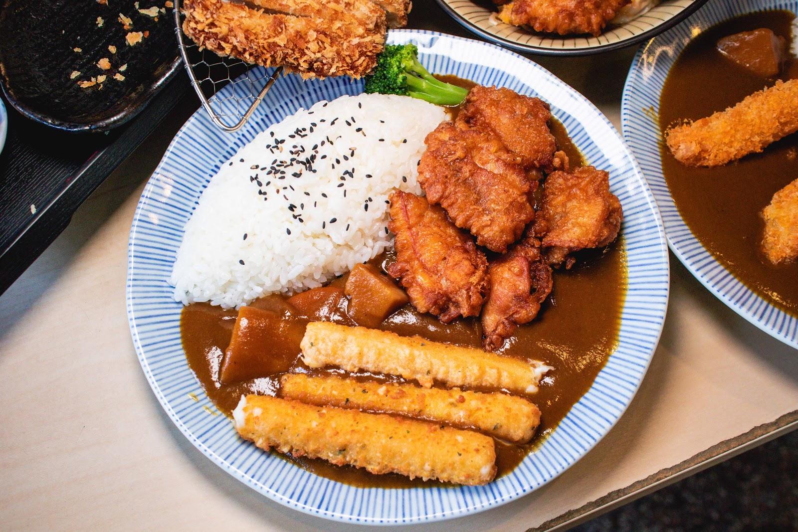 臺南咖哩飯【有吉可樂】永康美食!人氣咖哩飯妳吃過了嗎?塘楊雞,咖哩飯,丼飯是許多人的私藏名單!