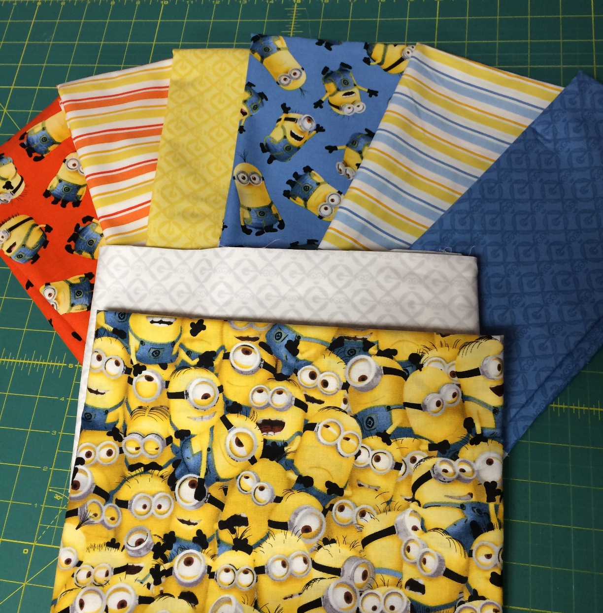 Happy Quilting: Minions and Pixies : minion quilt - Adamdwight.com