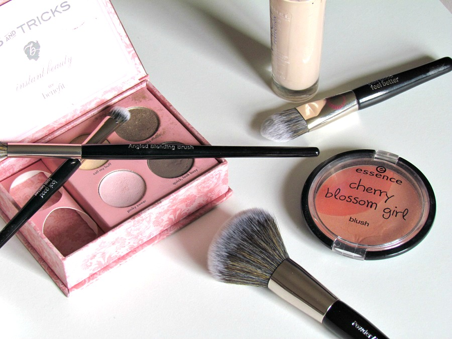 Best Angled Blending brush, Look Good Feel Better makeup brushes, Benefit Cosmetics, Essence cosmetics, Beauty Blog