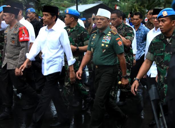 Panglima TNI Dampingi Presiden RI Temui Peserta Aksi Super Damai 212