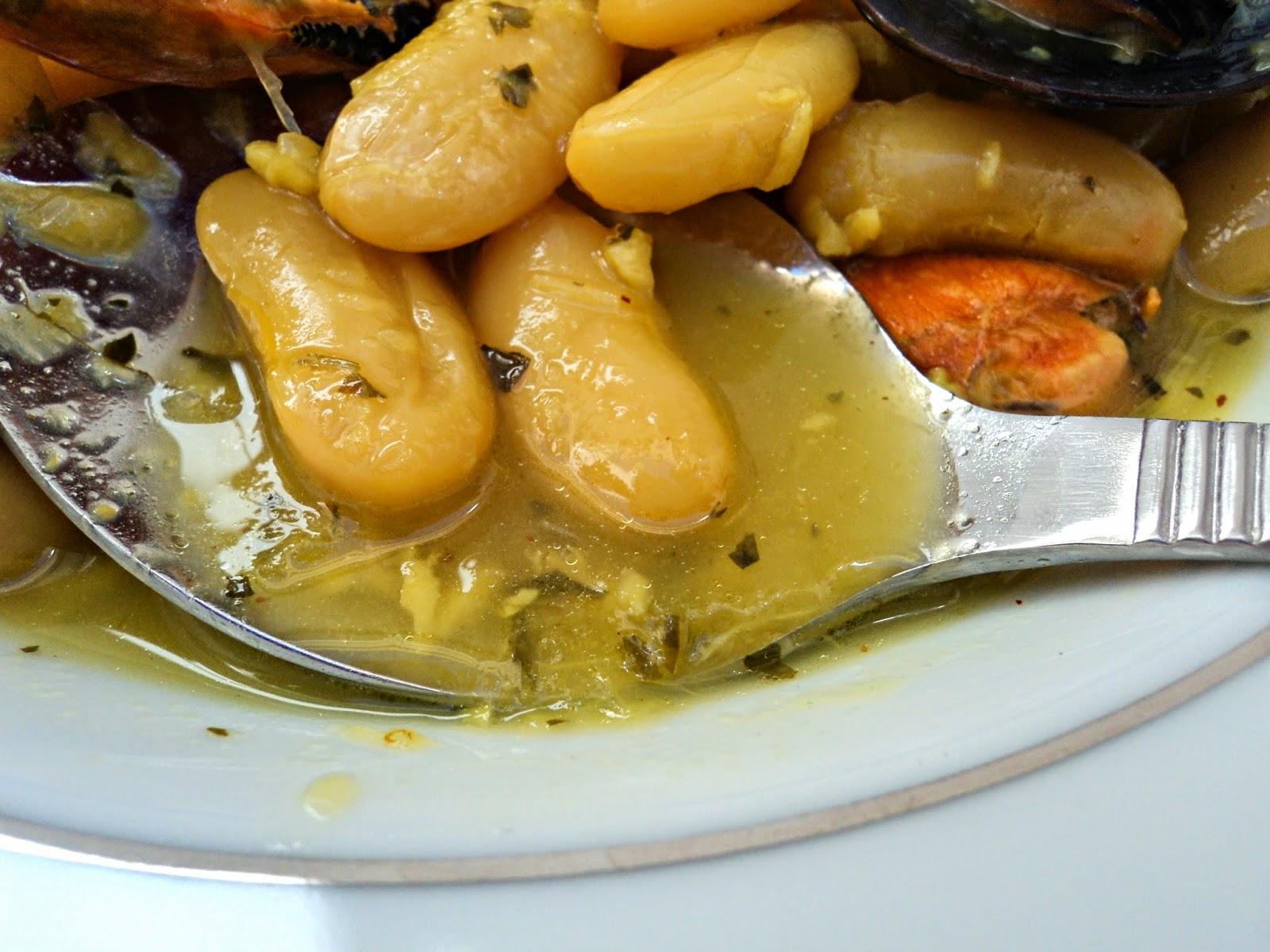 fabas-mejillones-azafran-cucharada
