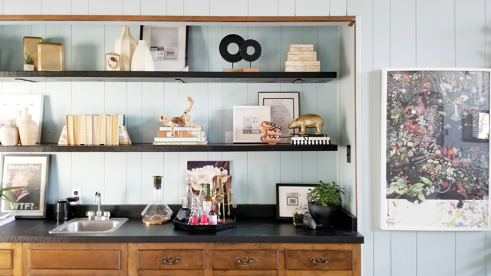 Benjamin Moore Onyx Saturday Styling My New Quot Floating Quot Bookshelves Cohesive