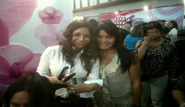 Gina Rojas en el show internacional de peluqueria