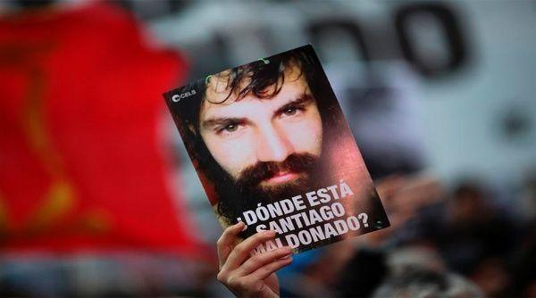Macri ofrece recompensa por encontrar a Santiago Maldonado