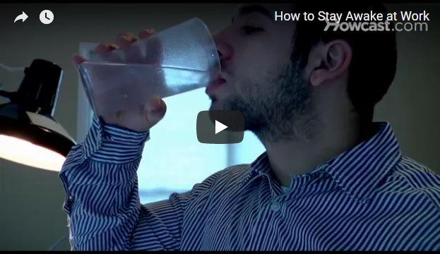 بالفيديو: سبع نصائح تبقيك مستيقظاً ومنتبهاً أثناء العمل أو الدراسة