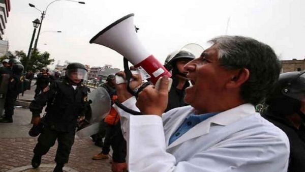 Médicos en Argentina van a huelga por mejoras laborales