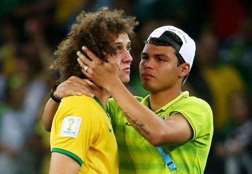 David Luiz không kìm được nước mắt khi Brazil thất bại