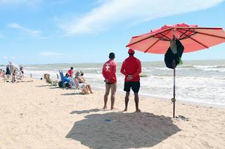 http://vnoticia.com.br/noticia/2304-guarda-vidas-reforcam-seguranca-nas-praias-de-sfi