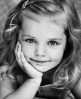 Девочка Аня фото