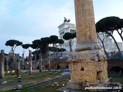 forum De trajano coluna vista baixo - Fórum de Trajano