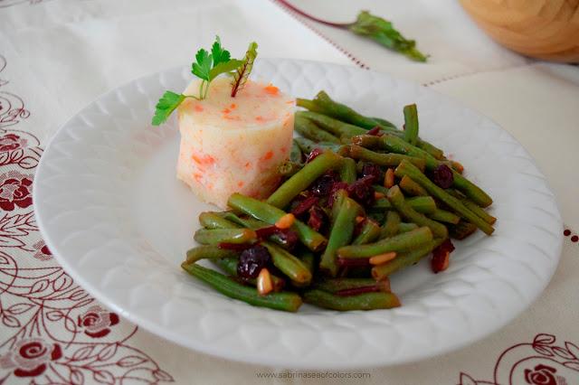Salteado de judías verdes y remolacha con puré de patatas