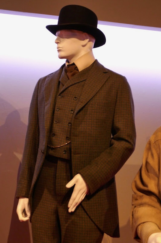 Jonjo O'Neill Ballad Buster Scruggs Thigpen costume
