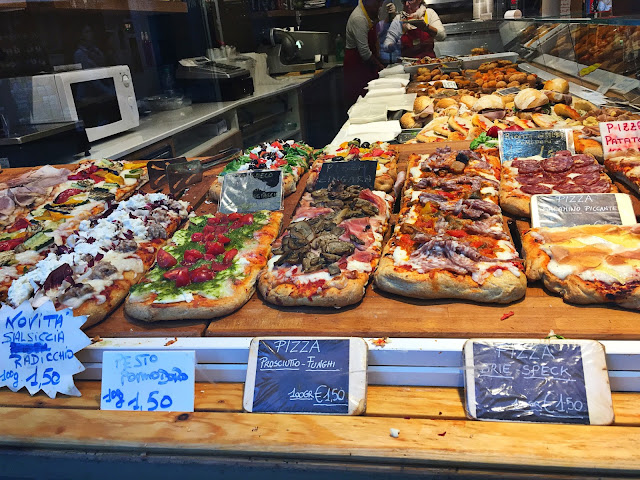 pizza in venice, italy