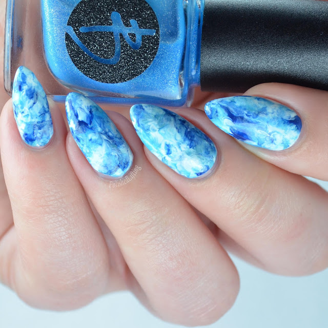 smooshy blue nail art