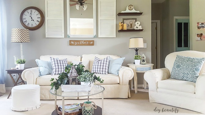 farmhouse cottage living room