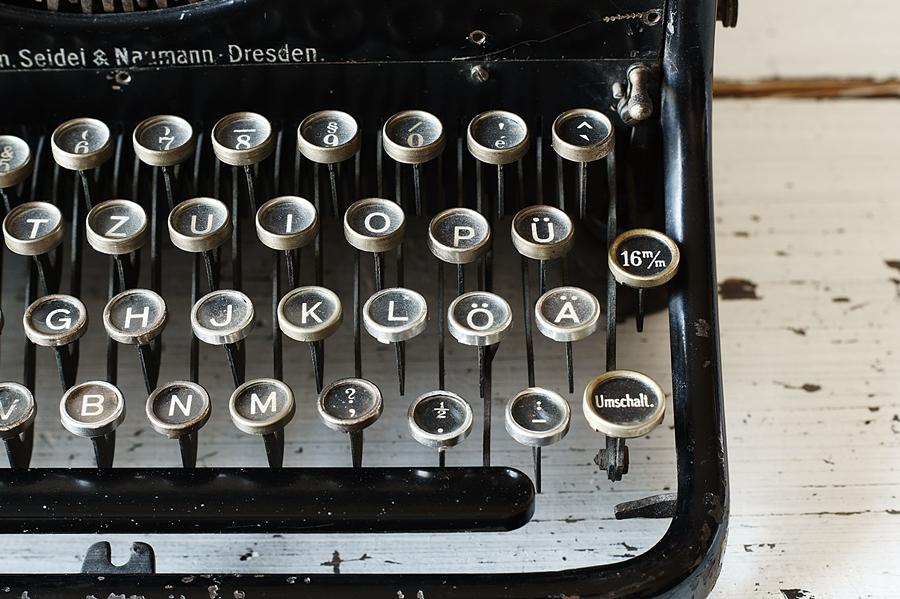 Blog + Fotografie by it's me! - fim.works - Ideal B Schreibmaschine, Umschaltertaste rechts