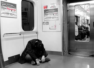 L'homme ivre du métro de tokyo - Le Chameau Bleu