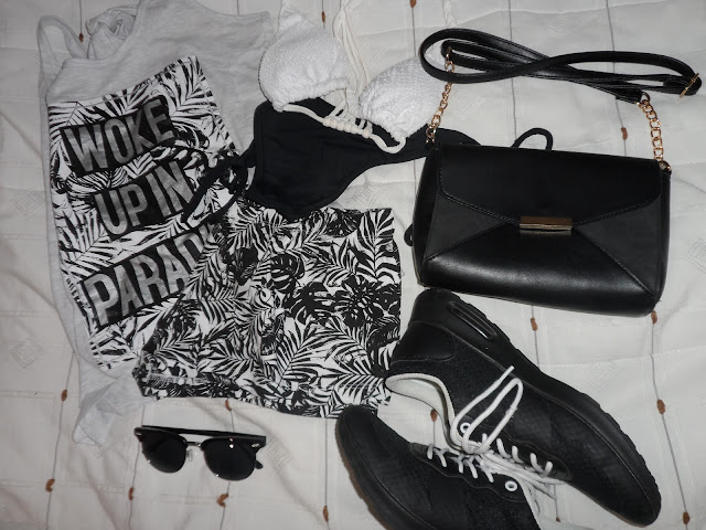 Shopping - Black and White Style