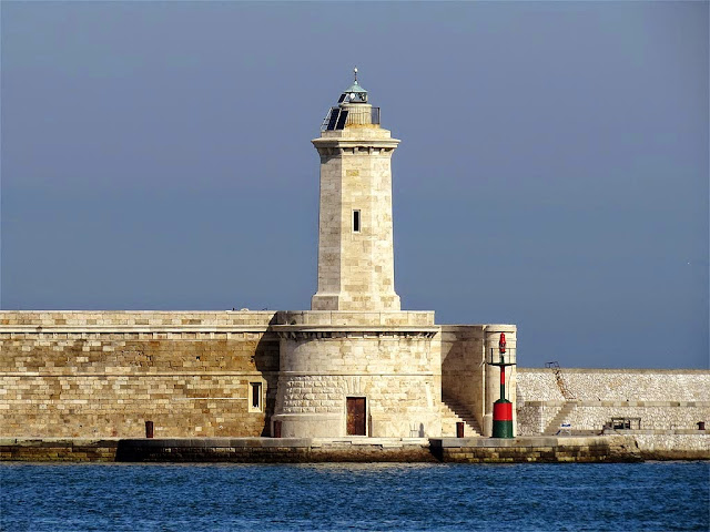 The north lighthouse of the Molo Novo, Livorno