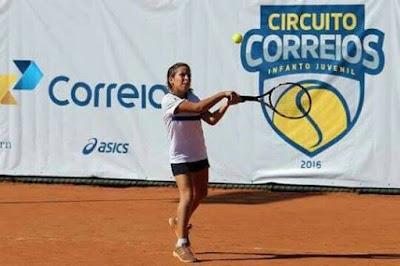 Tenista cajobiense de apenas 10 anos disputará campeonato de nível nacional