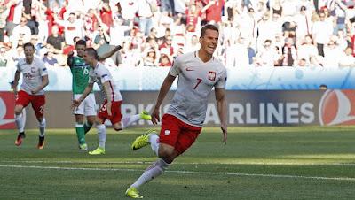 Le Polonais Arkadiusz Milik a délivré son équipe en inscrivant le premier but.