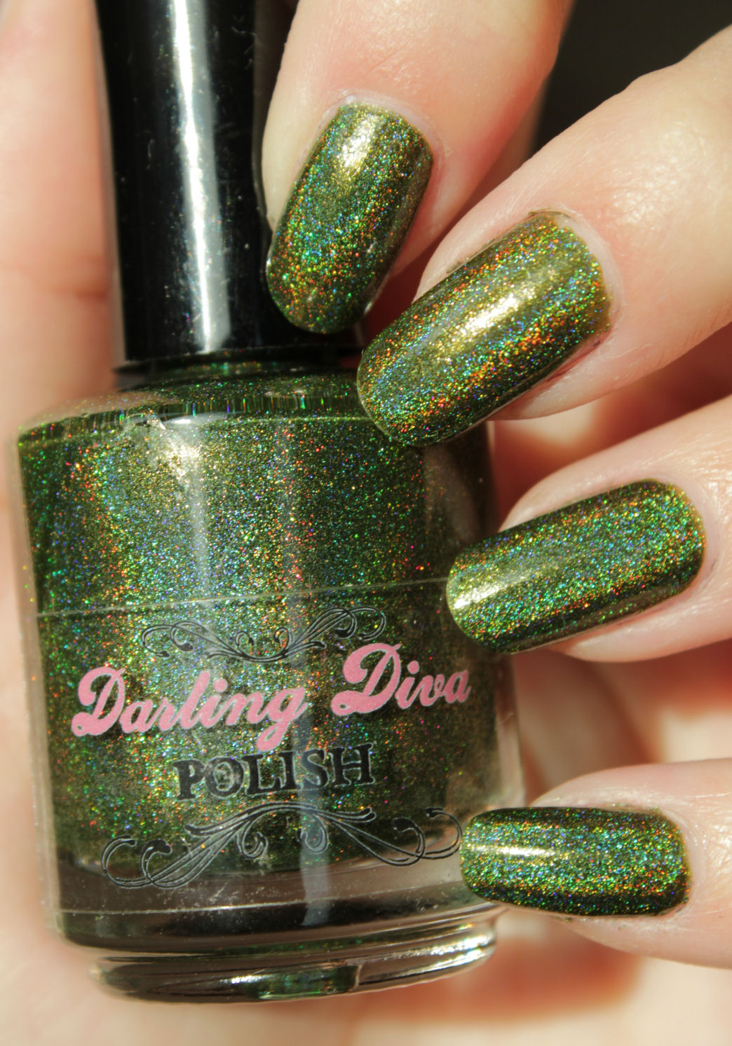 http://lacquediction.blogspot.de/2015/02/darling-diva-shapeshifter.html