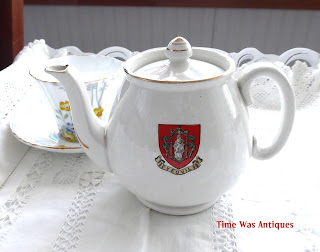 https://timewasantiques.net/products/shelley-crested-china-teapot-yeovil-coat-of-arms-england-souvenir-1920s