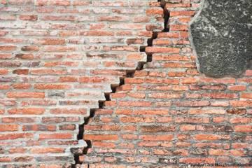 Cara Memperbaiki Tembok Retak Struktur