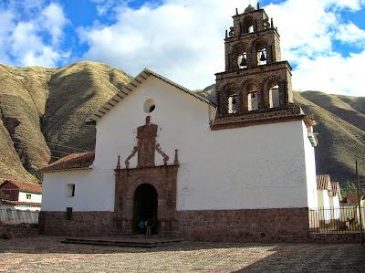 Iglesia San Juan Bautista de Huaro, Perú, La vuelta al mundo de Asun y Ricardo, round the world, mundoporlibre.com