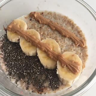 Porridge de avena con plátano y mantequilla de cacahuete