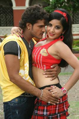 khesari lal yadav and Monalisa