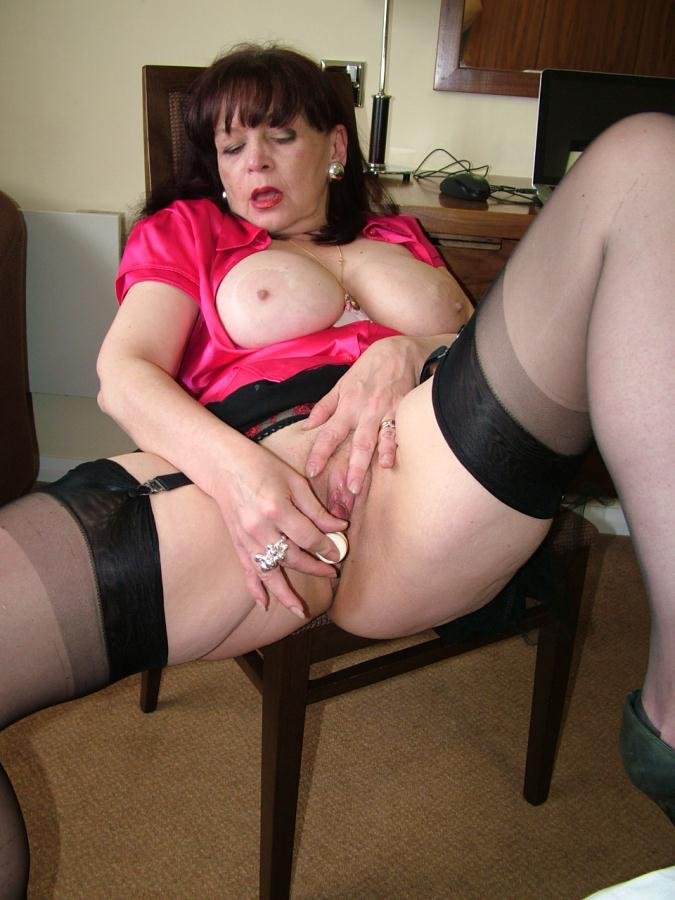 Matrure mum sally anal creampie from bbc in hotel room - 1 part 1