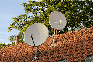 vsat antena telekomunikasi satelit