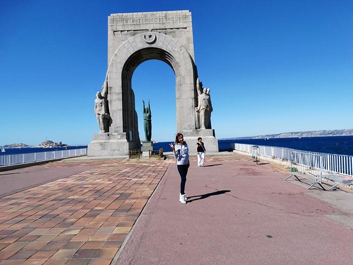 Monument aux morts, marsylia, łuk