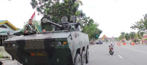 Alat Tempur dan Prajurit TNI AD Disiagakan di Jalan Gajah Mada Pekanbaru, Ada Apa?