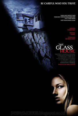 Sinopsis film The Glass House (2001)