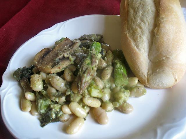 Cannellini Bean Asparagus Salad with Mushrooms