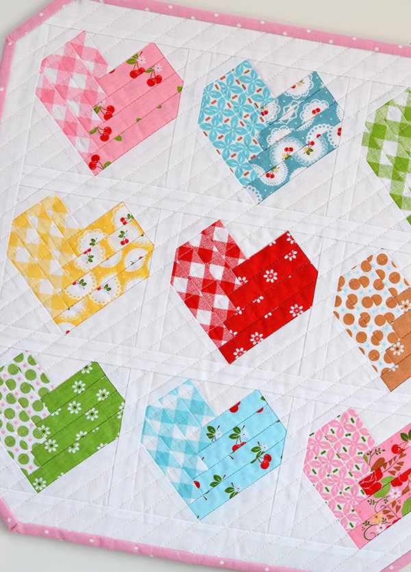 Down Grapevine Lane: 'Heart of the Home' Mini Quilt in Sew