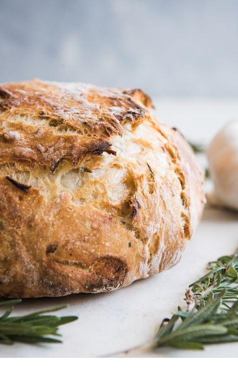 Roasted Garlic & Rosemary No Knead Artisan Bread