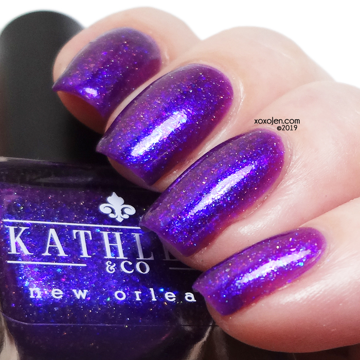 xoxoJen's swatch of Kathleen and Co's Baba Yaga