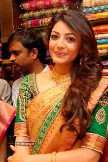 Kajal-Agarwal-Stills-in-Saree-at-Chennai-Shopping-Mall-Launch