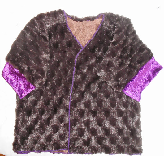 How to make 'Clawdeen's Jacket' for a Halloween costume.