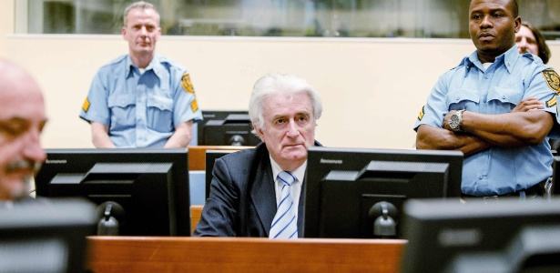 Radovan Karadzic é condenado a 40 anos de prisão por genocídio