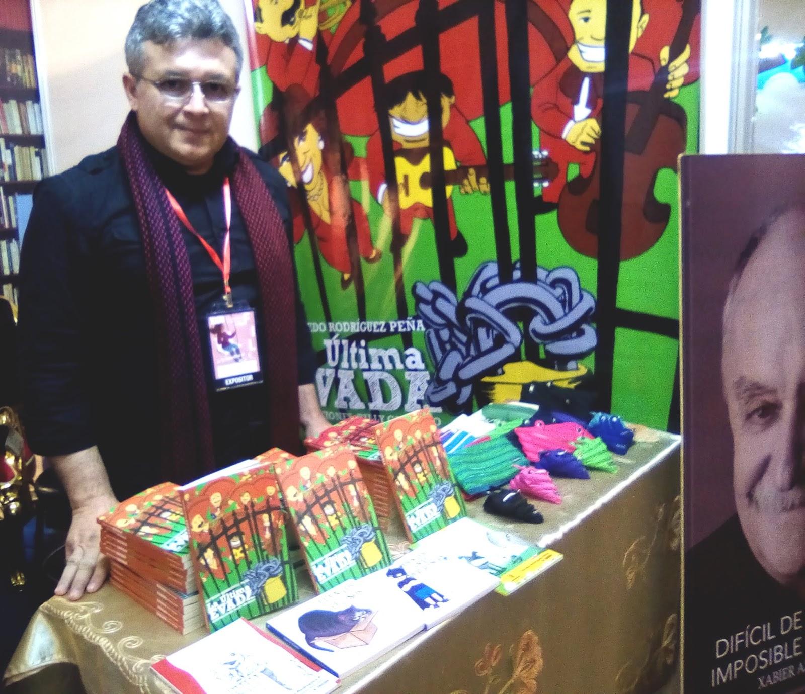 Alfredo Rodríguez está en el segundo piso del bloque amarillo de la FIL, comparte un stand con el extécnico Xabier Azkargorta / VISOR BOLIVIA